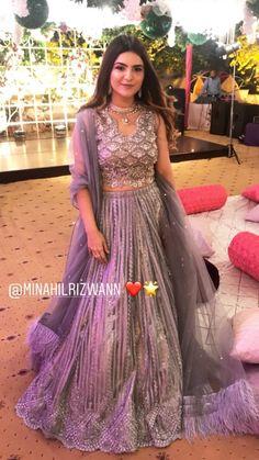 Pakistani Bridal Wear, Pakistani Outfits, Bridal Lehenga, Asian Bridal Dresses, Indian Dresses, Indian Wedding Outfits, Indian Outfits, Blouse Designs Catalogue, Ethnic Outfits