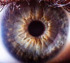 Its like the eye is purple O.o