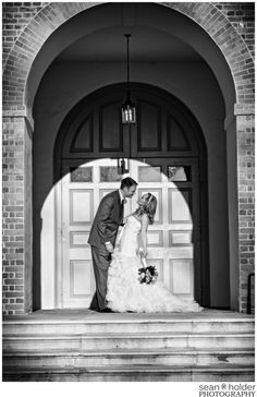 Wren Chapel College of William and Mary - Williamsburg Wedding Photographers - Williamsburg Weddings