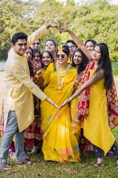 Indian Wedding Poses, Indian Bridal Photos, Indian Wedding Couple Photography, Wedding Photography Poses, Couple Wedding Dress, Wedding Bride, Bengali Bridal Makeup, Wedding Photo Props, Bride Poses
