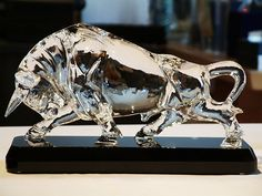 Clear Crystal Bull on Black Base Types Of Awards, Trophy Plaques, Plaque Design, Custom Trophies, Custom Awards, Laser Engraving, Clear Crystal, How To Memorize Things, Base