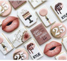 Iced Cookies, Biscuit Cookies, Sugar Cookies, Cookie Designs, Cookie Ideas, Cookie Recipes, Cookie Icing, Royal Icing Cookies, Fancy Cupcakes