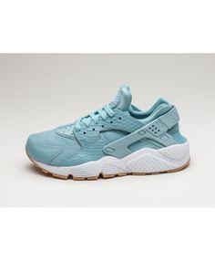 Chaussure Nike Wmns Air Huarache Run Se Mica Blue Mica Blue Gum Yellow White a3277652488c
