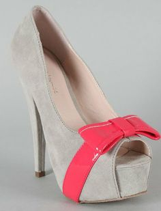 Grey-pink peep toe shoes with a platform for that extra bit of height