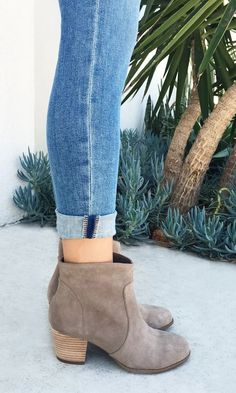 Romy in Taupe Boot