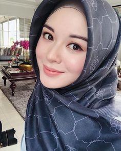 Beauty in our Time Beautiful Muslim Women, Beautiful Hijab, Beautiful Asian Girls, Hijabi Girl, Girl Hijab, Simple Wedding Makeup, Sweet Makeup, Iranian Women Fashion, Muslim Beauty