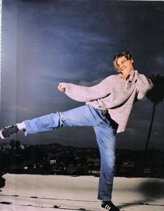 leonardo's weird photoshoots in the 90s