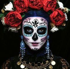 56 Newest Sugar Skull Makeup Creations To Win Halloween - Day Of Dead Makeup, Day Of The Dead Mask, La Muerte Tattoo, Catrina Tattoo, Sugar Scull, Sugar Skull Art, Sugar Skull Face Paint, Halloween Kostüm, Halloween Costumes