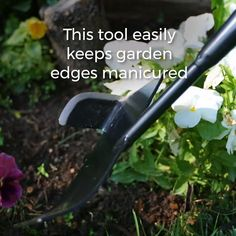 Easy Garden Edger This garden edger works in three ways at once to fight invading grass Its a simple but smart solution to taming garden bed edges walkways and other spo. Garden Yard Ideas, Lawn And Garden, Garden Beds, Garden Tools, Garden Ideas Videos, Walkway Garden, Tire Garden, Farm Tools, Wooden Garden