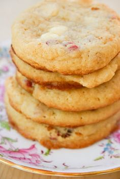 White Chocolate Raspberry Cheesecake Cookies - They're soft and chewy, like a sugar cookie, but with all the flavor of a raspberry cheesecake. And they taste exactly like the ones from Subway. Maybe even a little bit better.