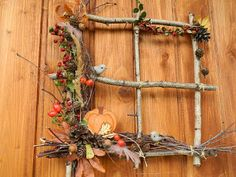 Tvoření od IVETULE: Podzimní okénko Harvest Decorations, Thanksgiving Decorations, Fall Arts And Crafts, Diy And Crafts, Autumn Decorating, Fall Decor, Fake Flowers, Dried Flowers, Christmas Art