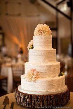 To see more gorgeous wedding flower ideas: http://www.modwedding.com/2014/11/09/the-prettiest-wedding-flower-ideas/ #wedding #weddings #wedding_cake