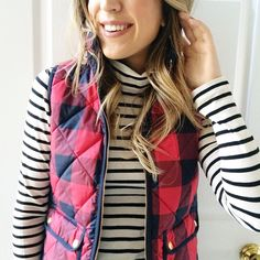 check vest + stripe sweater / pattern mix - have to borrow this vest! Preppy Mode, Preppy Style, Style Me, Fashion Moda, Look Fashion, Fall Fashion, Workwear Fashion, Fashion Blogs, Travel Fashion