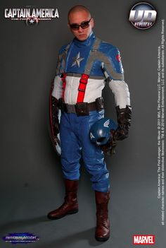 Captain America motorcycling suit. Awesome.