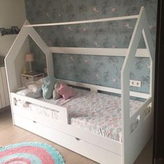 Toddler Rooms, Toddler Bed, Kids Rooms, Girl Room, Girls Bedroom, Cama Vintage, Kids Room Design, Girl Decor, House Beds