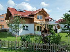 Jubiläumshaus von BayernBlock | Blockhaus | Satteldach