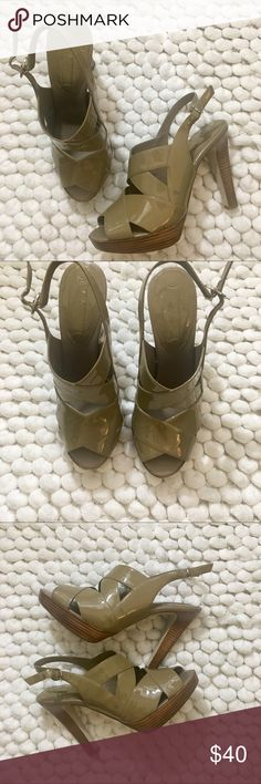 Banana Republic Tan strappy Olivia heels 7.5 Banana Republic Olivia heels. Tan patent. Size 7.5. Excellent preowned condition. Almost like new. Leather. Banana Republic Shoes Heels