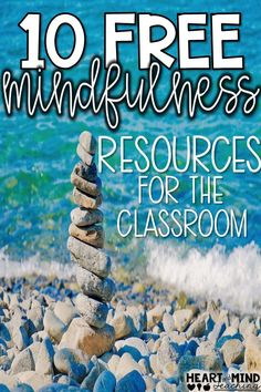 10 free resources to practice mindfulness in the classroom and school. Meditation, yoga, mindful thinking ideas for you to implement with your students. Easy, short and quick mind breaks perfect for mindful morning meetings. Elementary School Counselor, Middle School Teachers, School Counseling, School Classroom, Elementary Schools, Group Counseling, Clean Classroom, Elementary Spanish, Upper Elementary