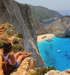 Het eiland Zakynthos barst van de leuke restaurantjes. Kies je voor een goede strandtent of toch liever voor een sterrenwaardig restaurant.  In dit artikel staan er 6 restaurants voor je op een rijtje!
