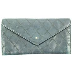 Pre-owned Envelope Wallet ($200) ❤ liked on Polyvore featuring bags, wallets, accessories, none, chanel wallet, chanel bags, green wallet, chanel and green bags