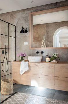 Cómo iluminar un baño sin ventanas Modern Bathroom Design, Bathroom Interior Design, Rustic Bathrooms, Small Bathroom, Welcome To My House, Home Design Decor, Bathroom Styling, Bathroom Inspiration, Home Deco