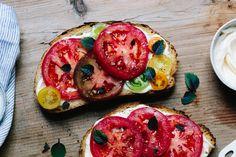 Three-Ingredient Tomato Sandwich • Quick, easy & delicious