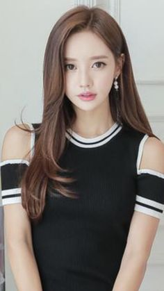 Beautiful Japanese Girl, Beautiful Asian Women, Korean Beauty Girls, Asian Beauty, Cute Girl Pic, Cute Girls, South Korea Fashion, Colorful Fashion, Asian Woman