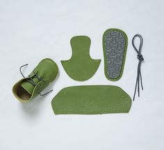 First Baby Shoes / kit couture chaussons cuir