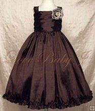 My Bella needs this dress in her life! Its absolutely beautiful :)