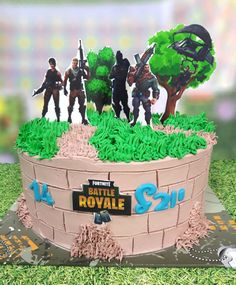 Minecraft Birthday Cake, Summer Bash, Battle Royale, 8th Birthday, Birthday Cakes, Cakes For Boys, Party Treats, Buttercream Cake, Cakes And More