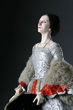 On this day in history: May The Execution of Queen Anne Boleyn. (A statue of Anne Boleyn at the scaffold by artist George S. Stuart, from his Gallery of Historical Figures.) Kinda creepy but cool! Anne Boleyn, Mary Boleyn, Tudor History, British History, European History, Queen Anne, King Queen, Katharina Von Aragon, Enrique Viii