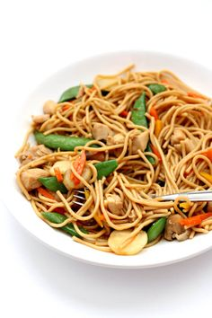 Instant Pot Chicken Lo Mein - 365 Days of Slow Cooking and Pressure Cooking