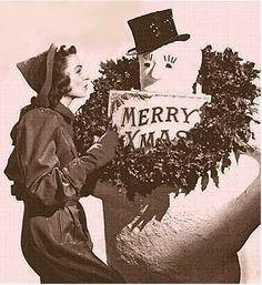 Seasons Greeting from Donna Reed Christmas Past, Christmas Music, Retro Christmas, Vintage Holiday, Christmas Photos, Winter Christmas, The Donna Reed Show, Retro Girls, Vintage Hollywood