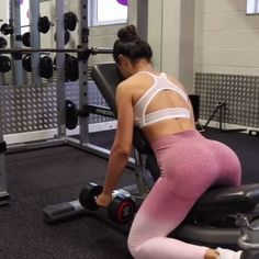 Get back to it this January with Gymshark Athlete, Krissy Cela, who trains upper body. (1. Incline Rows 2. Cable Rows 3. Rope Pull Downs 4. Single Arm Pull Downs)