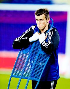 Gareth Bale, I don't think that's what those are for but you do you.