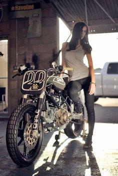 Cafe Racer Girl w/ tracker Ducati. Lady Biker, Biker Girl, Girl Motorcycle, Motos Sexy, Chicks On Bikes, Cafe Racer Girl, Hot Bikes, Biker Chick, Rockers