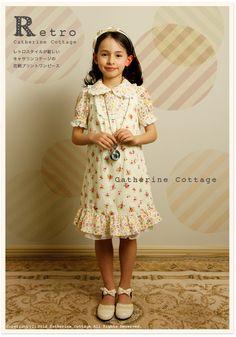 キャサリンコテージオリジナルプリントの子供ワンピース    プリントデザイン、お洋服ともに、デザイナーSatokoさんの作品です。