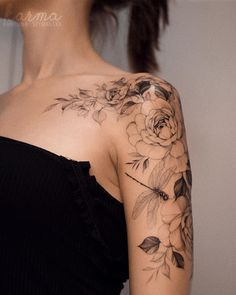 Karolina Szymańska ( Fotos und Videos auf Ins # f… Blumentattoos - Blumen Tattoos Designs - Flower Tattoo Designs - Best Sleeve Tattoos, Leg Tattoos, Body Art Tattoos, Small Tattoos, Henna Arm Tattoo, Tatoos, Floral Thigh Tattoos, Quarter Sleeve Tattoos, Forearm Flower Tattoo