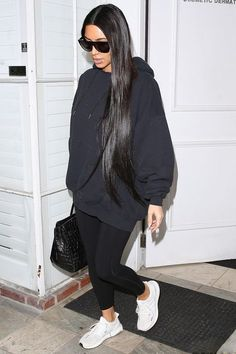 "Black is my favorite and my favorite celebrity ""Kim Kardashian"" also loves to wear black outfits many times. 72 Hot Kim Kardashian pics In Black Outfits. Kim Kardashian Blazer, Look Kim Kardashian, Kim Kardashian Bikini, Kim Kardashian Leggings, Kardashian Fashion, Kim Kardashian Yeezy, Kardashian Shoes, Kardashian Workout, Kim Kardashian Pregnant"