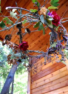 Rustic wreath hanging from the porch ceiling! Thanksgiving Diy, Thanksgiving Decorations, Christmas Decorations, Holiday Decor, Holiday Ideas, Natural Chandeliers, Autumn Wreaths, Rustic Wreaths, Twig Wreath