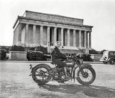 ee5aac79677 Sally Halterman - a primeira mulher a tirar a carta de moto na América