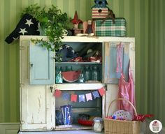 Summer-Hoosier-Cabinet-Decorating...  This site has tons of cute seasonal decorating for inside and outside of your house....@Nancy Rufle - Oldfather.  Look at all the cute seasonal display ideas for the shop on here