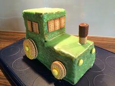Bulldog / Traktor Kuchen zum 2. Geburtstag