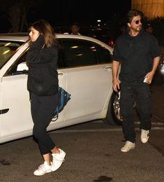 Shah Rukh Khan, Suhana Khan, Malaika Arora clicked at Mumbai Airport Shahrukh Khan Family, Mumbai Airport, Cute Wallpapers Quotes, Ranveer Singh, Anushka Sharma, Cute Family, Deepika Padukone, Skin Makeup, Everyday Outfits