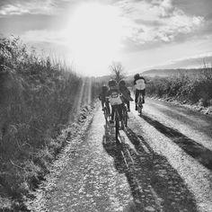 Just head for the sunshine! #cycling #cogset #lancashire #outsideisfree #wymtm #lightbro #kidscycling #U8s #festive5 #festive500 #PGtrips