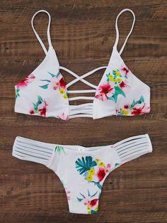¡Cómpralo ya!. Floral Print Ladder Cutout Bikini Set. White Bikinis Vacation Halter Top Nylon/Spandex YES Floral Swimwear. , bikini, bikini, biquini, conjuntosdebikinis, twopiece, bikini, bikini, bikini, bikini, bikinis. Bikini de mujer de SheIn.