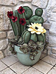 Felt Succulents, Planting Succulents, Succulent Planters, Succulent Arrangements, Cactus Terrarium, Cactus Plants, Cacti Garden, Small Sewing Projects, Craft Projects