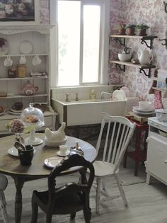 It's a miniature life: The beauty of the kitchen in a BOOK.........