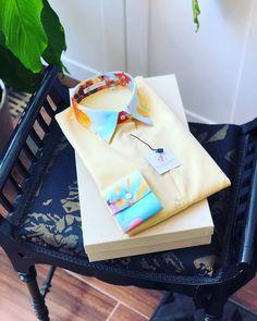 Culori pastelate si note parfumate in colectia de camasi florale.🌻 Gym Bag, Pastel, Floral, Flowers, Shirts, Bags, Collection, Handbags, Cake