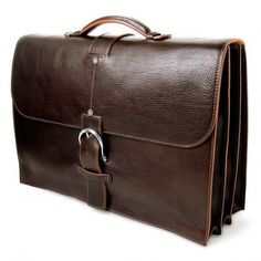 Choosing a perfect leather briefcase could be a difficult task due to the versatility of leather quality available in the market. Pure leather equipments are quite expensive but last for a longer duration. Typical Italian leather comes under this category.